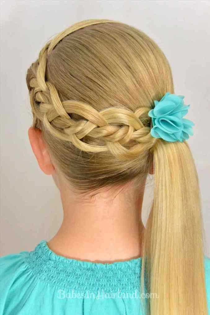 Simple and trendy hairstyles to school 5