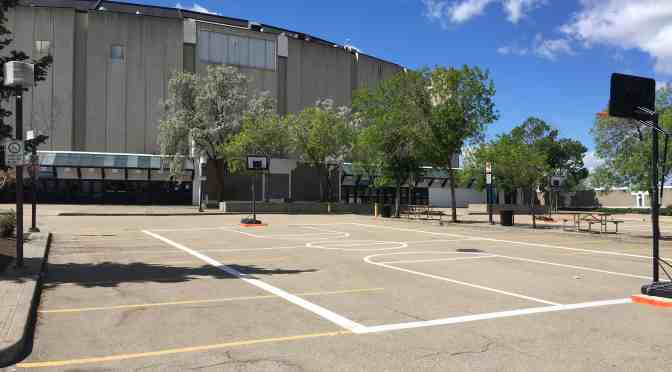 "<span class=""entry-title-primary"">Summer fun in the Coliseum parking lot</span> <span class=""entry-subtitle"">Socialize and play sports in a repurposed space</span>"