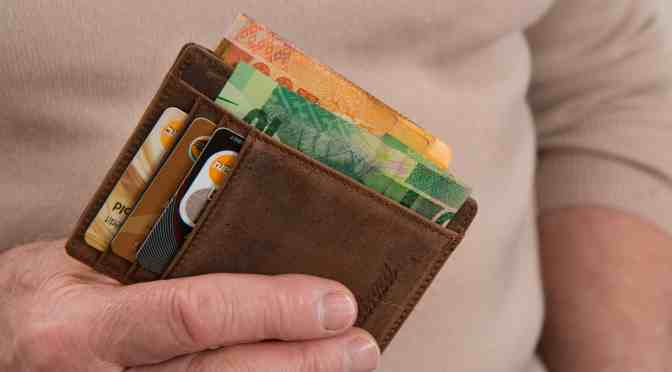 Tips for making a budget and saving money