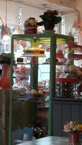 Jeanette's Cakery Cupcake Display