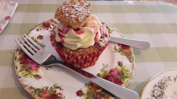 Jeanette's Cakery Victoria Sponge Cupcake