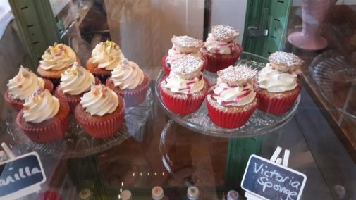 Jeanette's Cakery Cupcakes