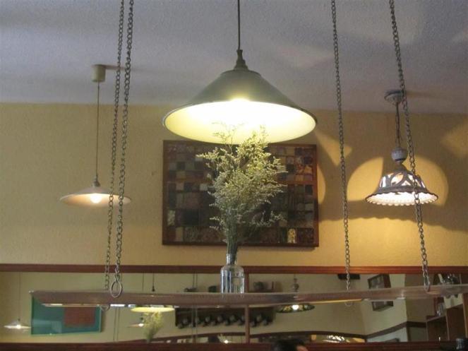 El Restaurante Vegetariano Lighting