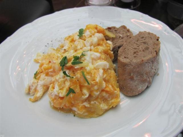 Cafe Amandine Scrambled Eggs