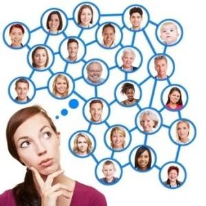 Über Social Networks kann man mit Menschen auf der ganzen Welt in Kontakt bleiben. © Robert Kneschke - Fotolia.com