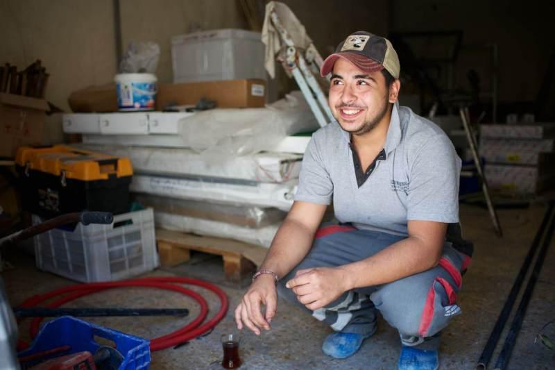 Ein Bauarbeiter in der der Tuerkei