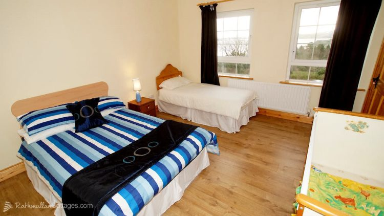Sea View House Rathmullan Donegal family bedroom