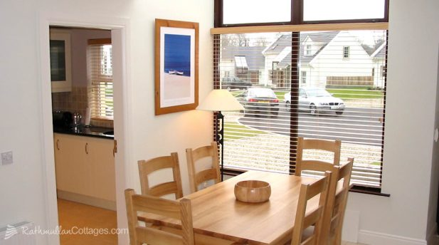 Rathmullan Holiday Home with Wifi (2)