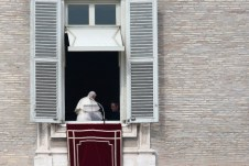 8_Pope_Attends_Final_Angelus_Prayers_Before_a_G3i
