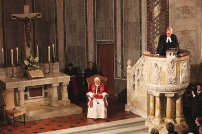 Pope+Visits+Evangelic+Lutheran+Church+Rome+F4bLs6dIbjvl
