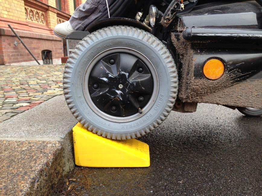 Mini-Rollstuhlrampe mit einem 3D-Drucker selber drucken.