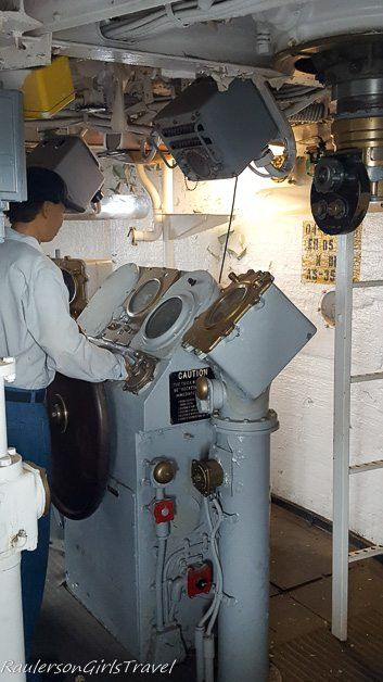 Navigation bridge in USS New Jersey