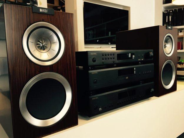 Rotel 14er Serie mit KEF Lautsprechern