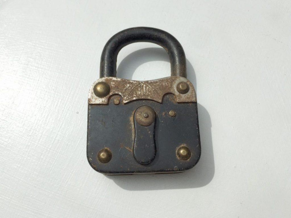 DSGVO ein Schloss mit sieben Schlüsseln