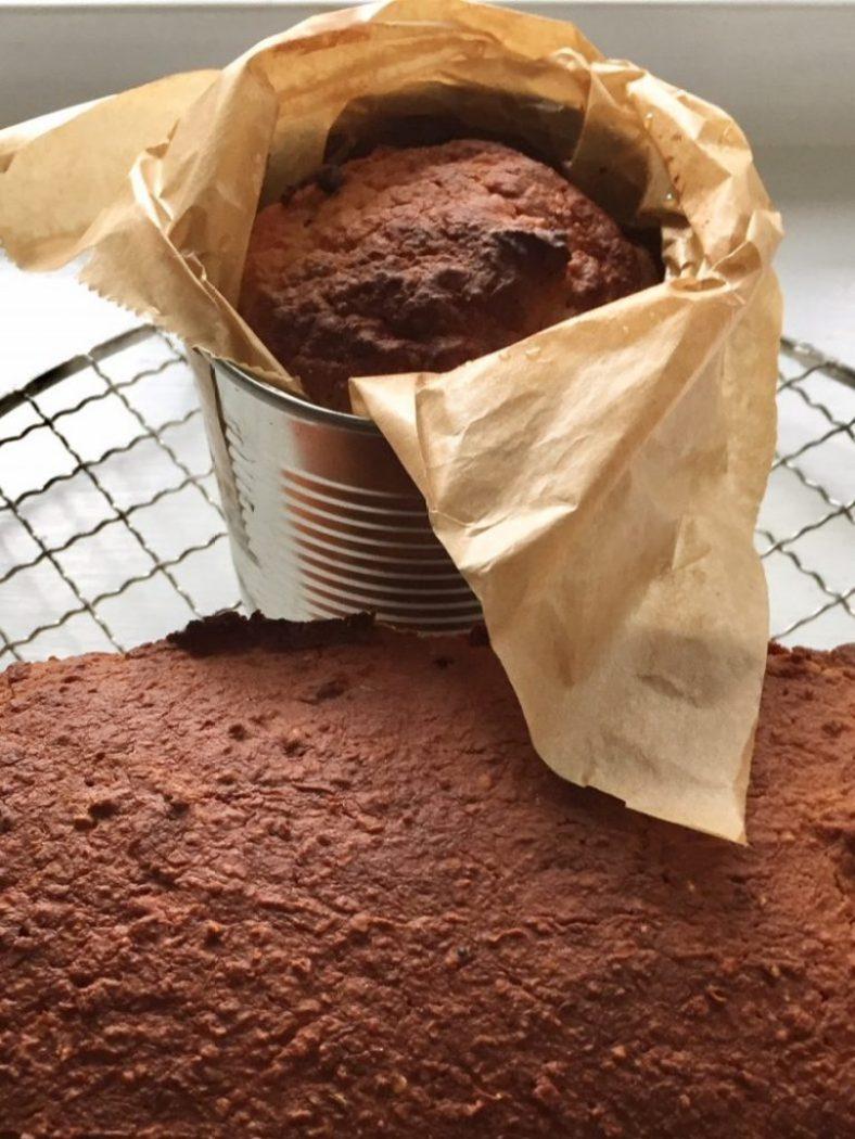 frisches Brot aus der Dose. Das Rezept dazu aus dem Sauerteigbuch von martina goernemann