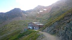 Adolf-Pichler-Hütte bis Innsbrucker Hütte | raupenblau