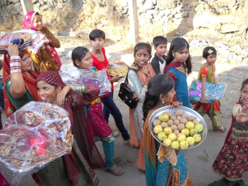 Hochzeitszug in Indien