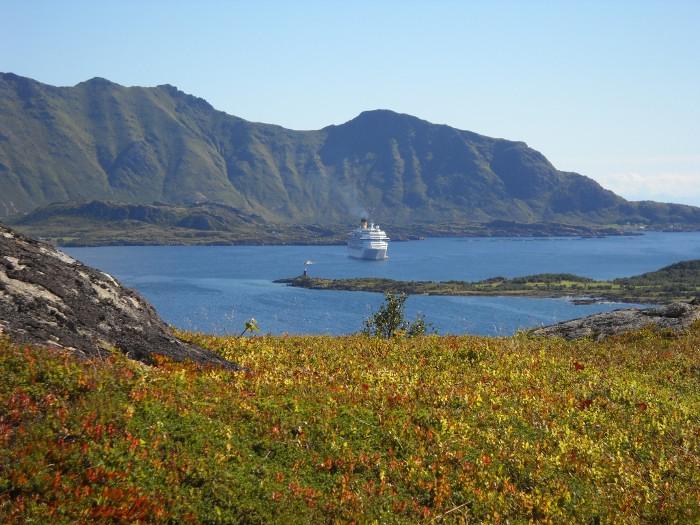 Costa Pacifica vor Leknes, Lofoten Norwegen