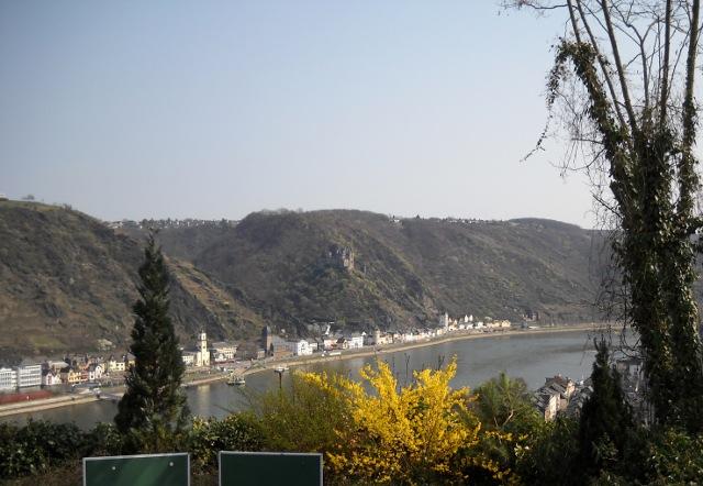 Blick von Schloss Rheinfels auf den Rhein