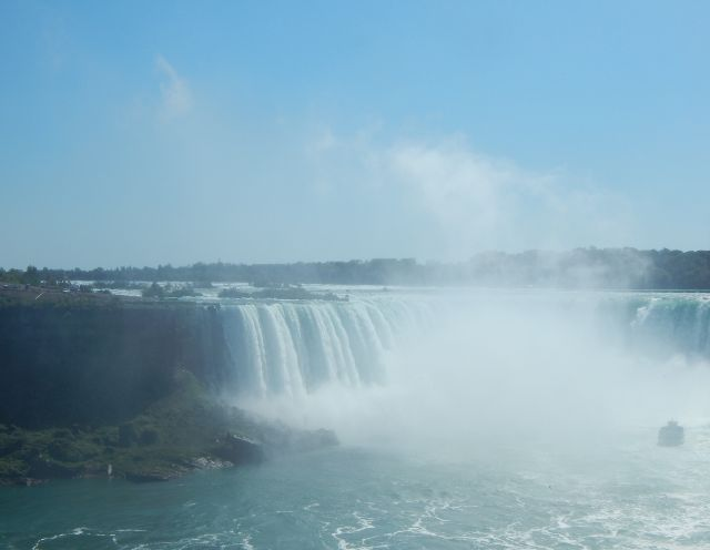 Gischt über den Horseshoe Falls Niagara