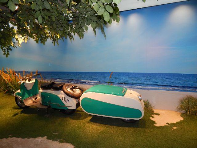 Urlaub 60er-Jahre mit Motorroller