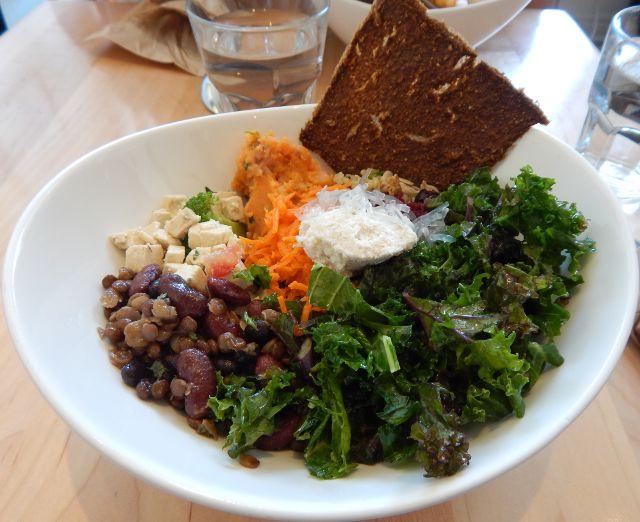 Salat, vegan Kensington Essen in Toronto
