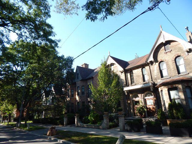 Yorkville Hazelton Avenue