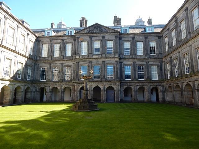 Innenhof von Holyrood Palace, Edinburgh