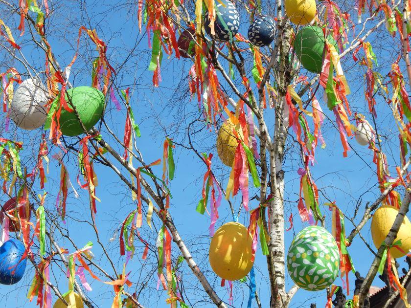 Ostern in Prag - kuriose Bräuche und bunte Eier