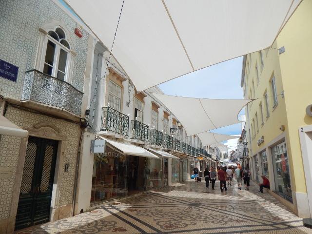 Die Fußgängerzone in Faro.
