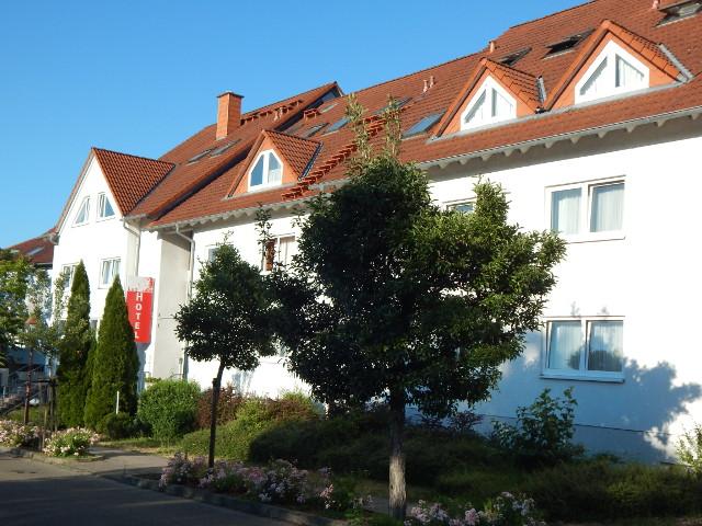 Hotel Leo in Muehlhausen, die Aussenansicht.