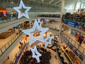 Die City Square Mall in Little India Singapur von Innen.