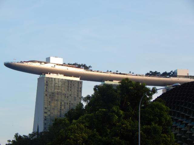 Fast wie ein Ufo - das Marina Bay Sands Hotel.