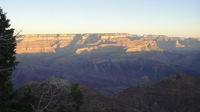 Sonnenaufgang über dem Grand Canyon
