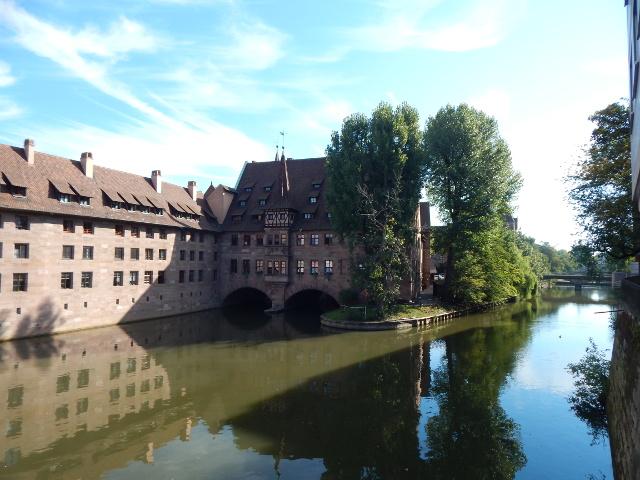 Blick von der Museumsbrücke in Nürnberg