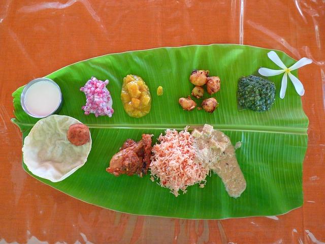 Südindische Küche auf einem Bananenblatt