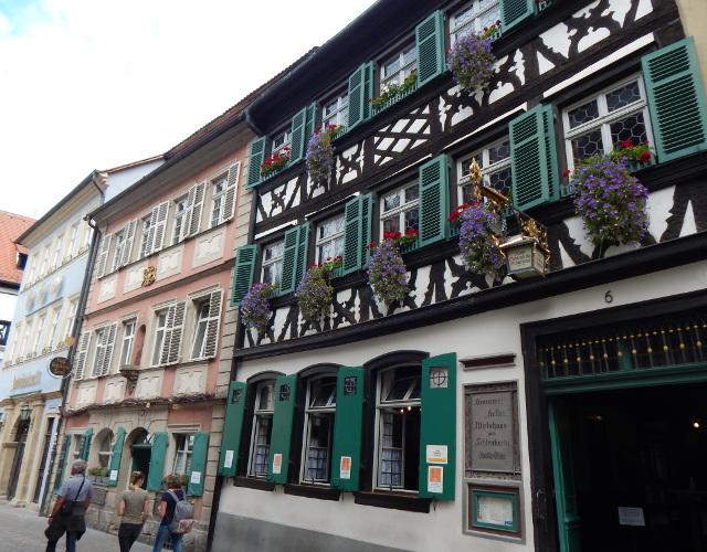 Die historische Brauereigaststätte Schlenkerla in Bamberg
