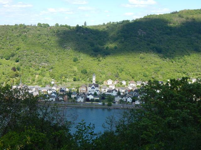 Blick auf Kamp-Bornhofen von Baedekers Ruhe