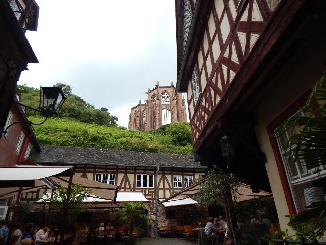 Der historische Posthof mit der Wernerkapelle