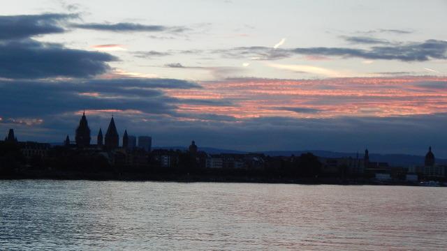 Abendstimmung über Mainz am Rhein