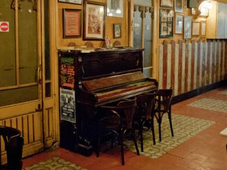 piano Machín london bar