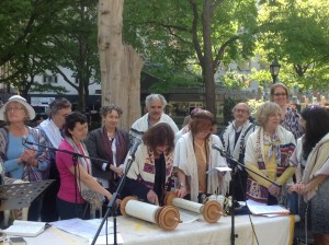 Rosh Hodesh Sivan in Madison Square Park in NYC, in solidarity with Women of the Wall