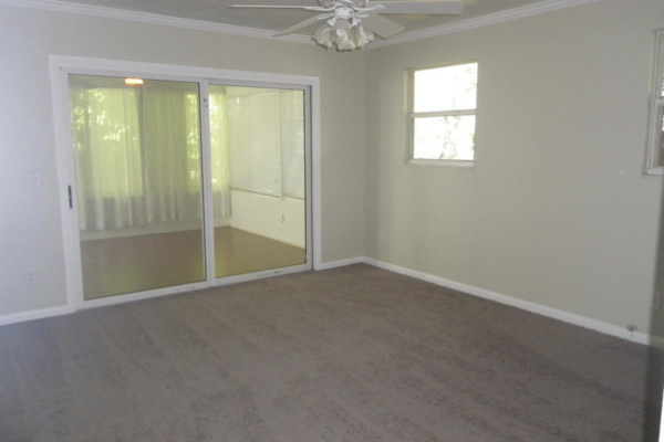 Before home staging (4)