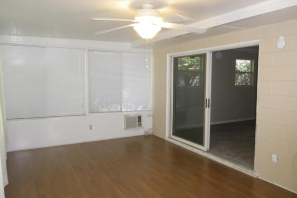 Before home staging (6)
