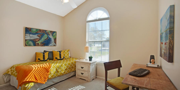 Staging colorful rooms with Rave in Jacksonville (9)