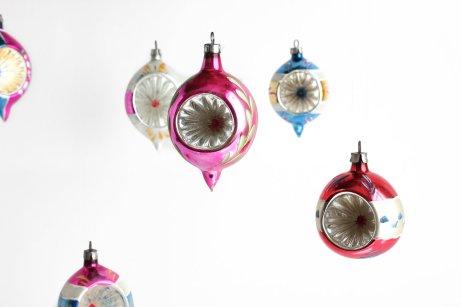 antique-christmas-ornaments-bq6tatsn