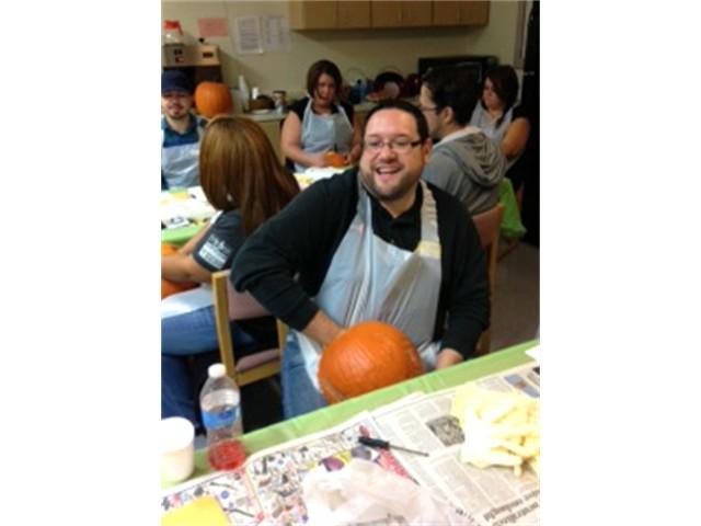 Pumpkin Palooza - Gutting the Pumkpin