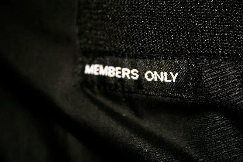 Members Only - photo by momopeche