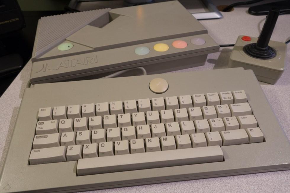 Atari-XE-Game-System-XEGS-01268-3