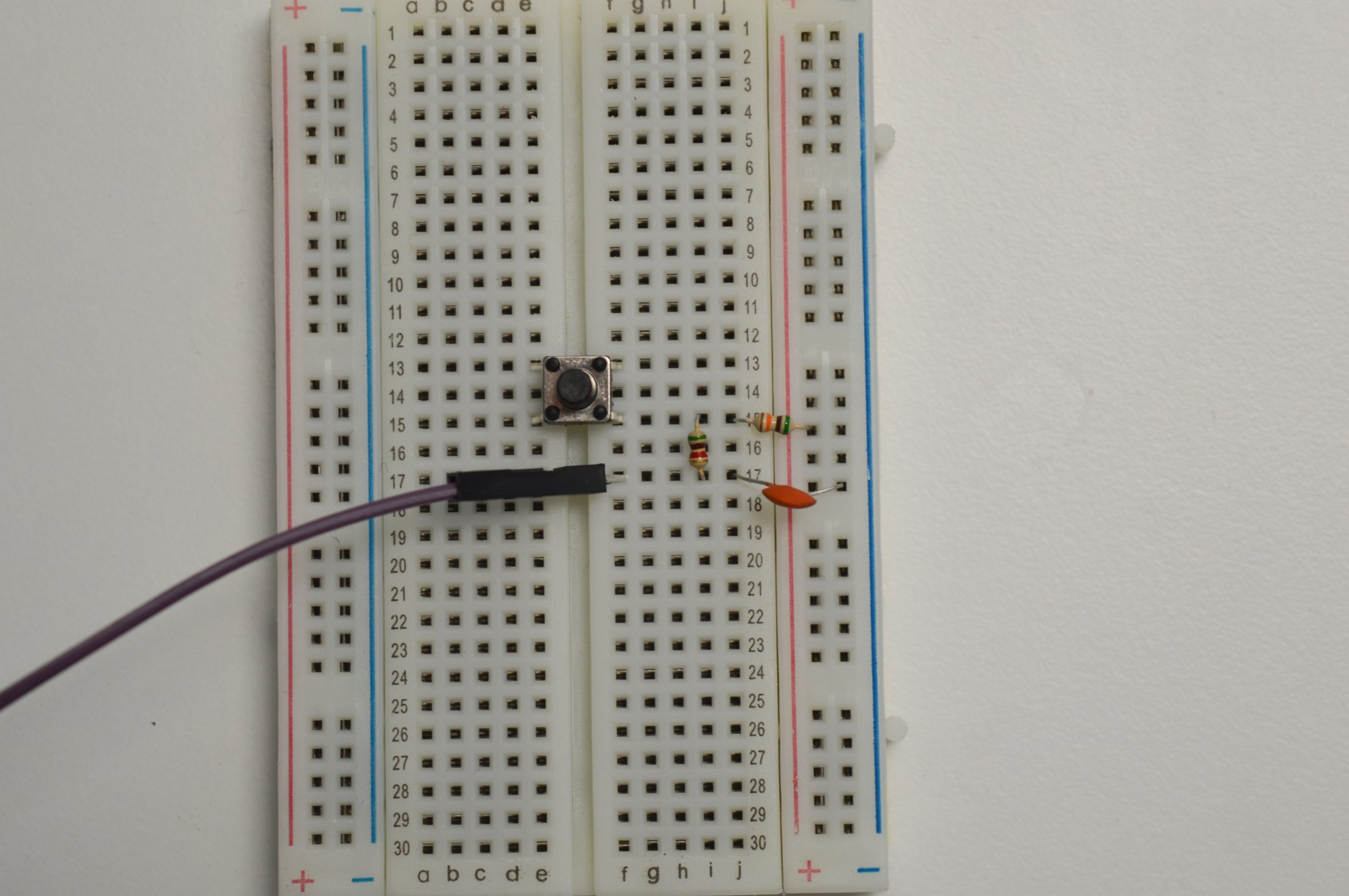 hight resolution of debouncing circuit for the push button